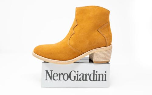 DSC01237 500x313 - Nero Giardini